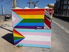 Hakenkreuze auf queeren Antiterrorklötzen