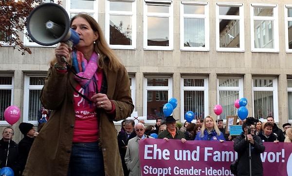 Demo für alle - Für die Staatsanwaltschaft Stendal trägt homophobe Hetze zur 'Meinungsbildung' bei