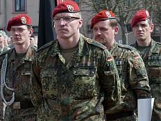 Militär - HIV-Positive dürfen jetzt zur Bundeswehr