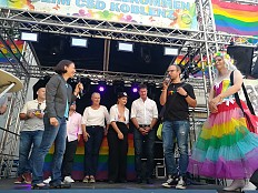 CSD-Saison 2018 - Koblenz: AfD-Politiker beim CSD mit Farbbeutel beworfen