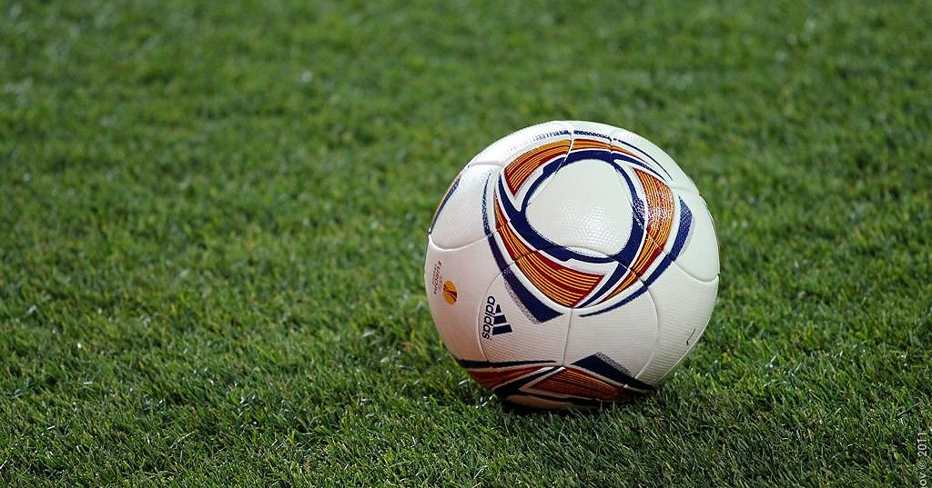 Fußballspiel nach homophoben Gesängen unterbrochen