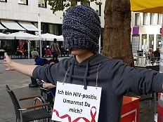 HIV/Aids - Ich bin HIV-positiv. Umarmst du mich?