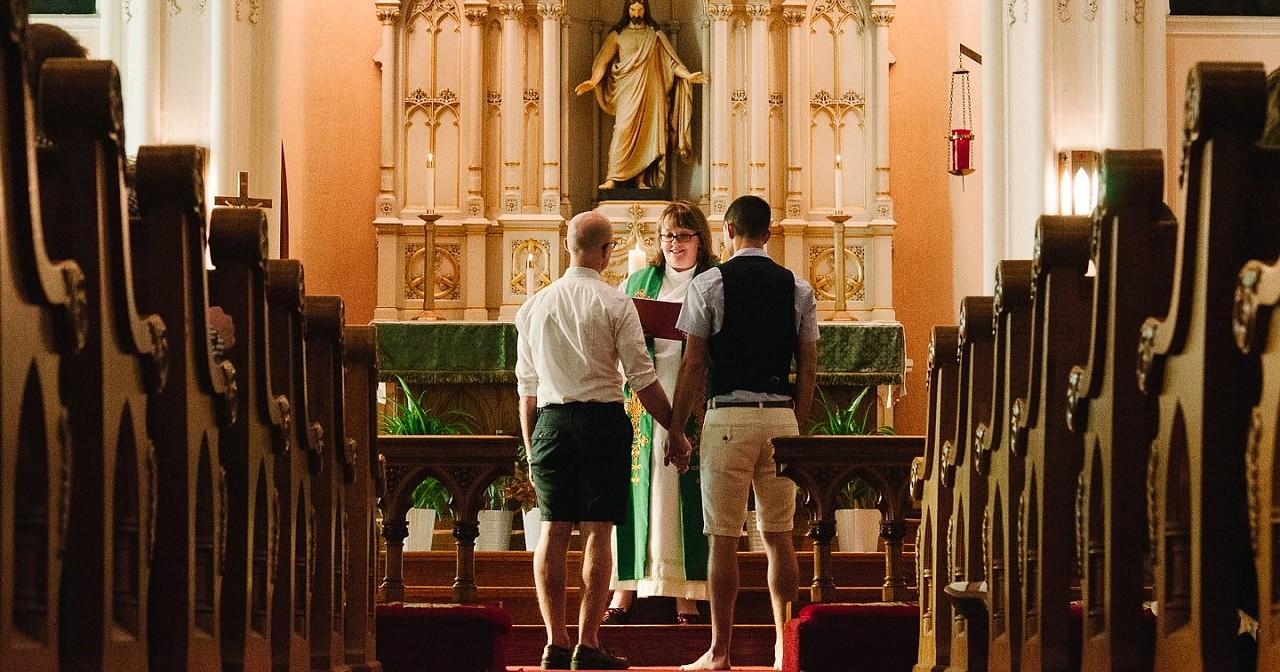 Evangelische Kirche - CSD Stuttgart: Lasst euch von evangelischen Pfarrern segnen