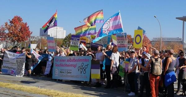 Trans*Personen - Grüne starten neuen Anlauf für Selbstbestimmungsgesetz