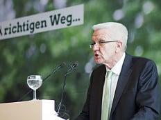 Baden-Württemberg - LSVD beurteilt grün-schwarzen Koalitionsvertrag positiv
