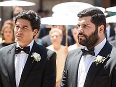 Eine schwule Hochzeit in einem katholischen Dorf